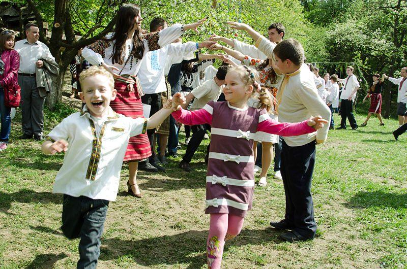 Викладачі та учні однієї з франківських музичних шкіл проведуть великодні гаївки