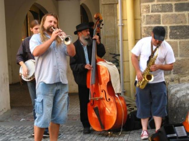 Lviv - Street musicians - Things to do in Lviv - Active Ukraine Tours