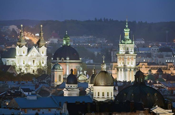 Топ-10 найкрасивіших храмів Львова