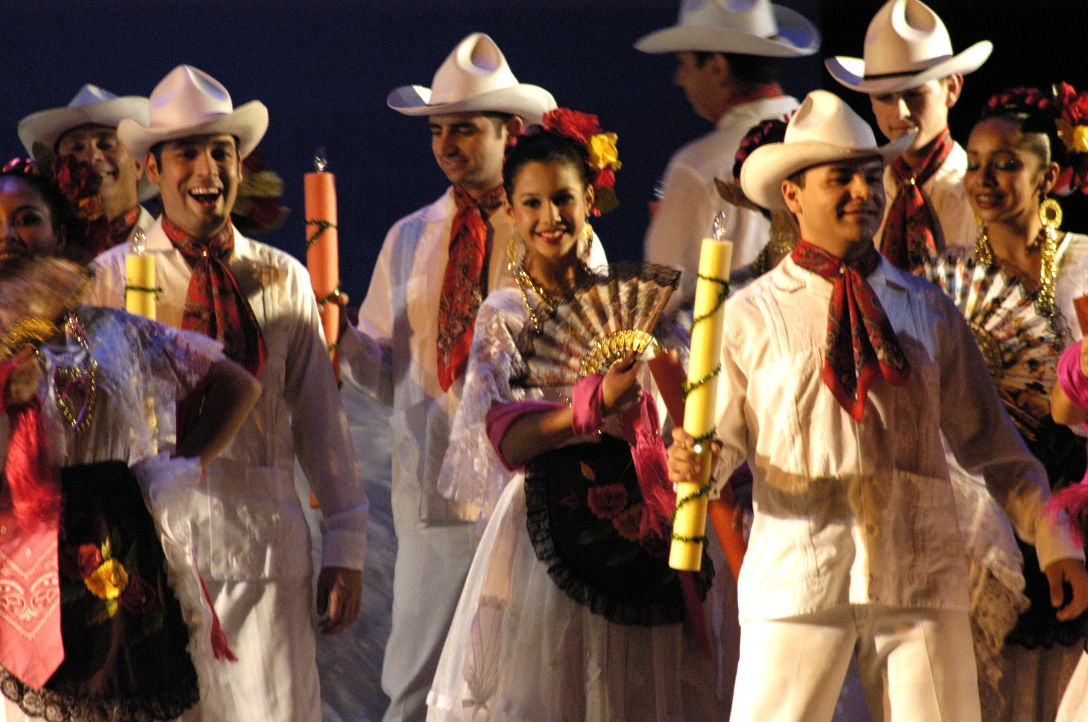 долго мексиканский новый год в картинках страдал редкого генетического