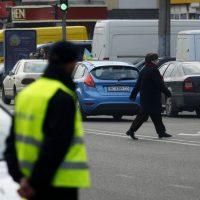 Неймовірно: Львівські поліцейські штрафують не тільки водіїв, але й пішоходів! (відео)