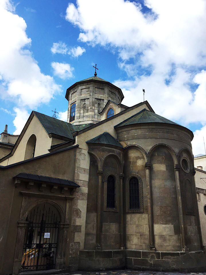 Вірменський собор Успіння Пресвятої Богородиці у Львові, осінь 2016 року, фото Ольги Коханевич