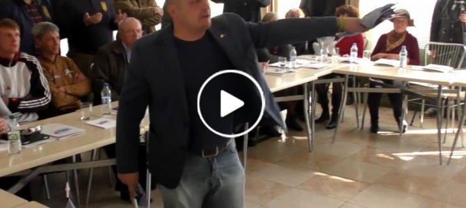 Категорично: Мер Конотопа за десять хвилин вигнав сепаратистів з міста