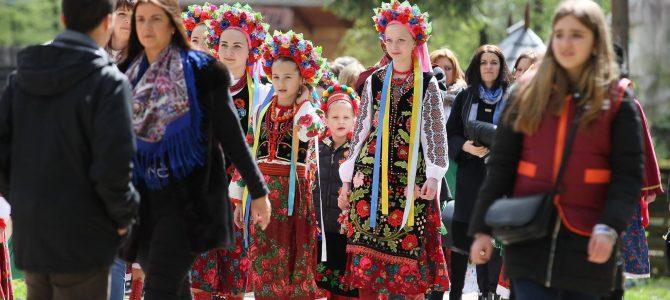 """Фоторепортаж: """"Великдень у Гаю"""". Як проходять традиційні Великодні фестини (фото)"""