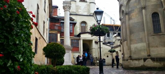 Красиво: У Львові після реставрації відкрили один з найкрасивіших двориків міста (фото, відео)