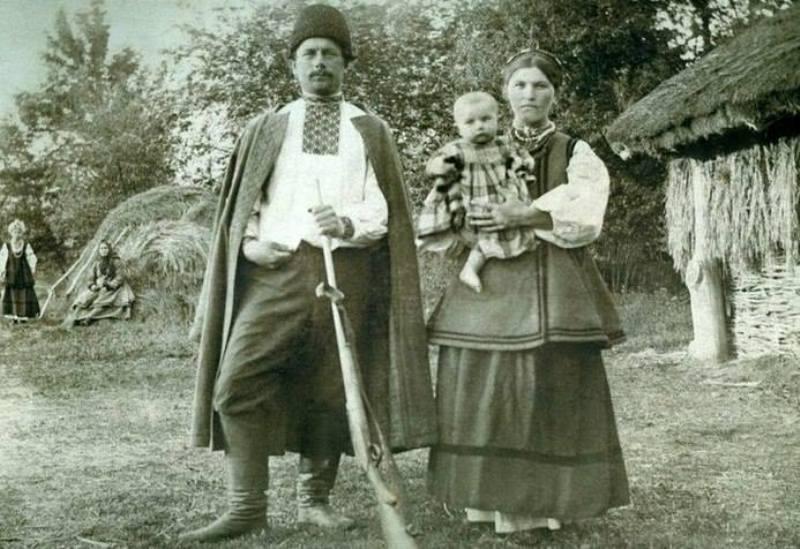 Молоде подружжя.1916 рік. Місто Бобровиця на Чернігівщині.