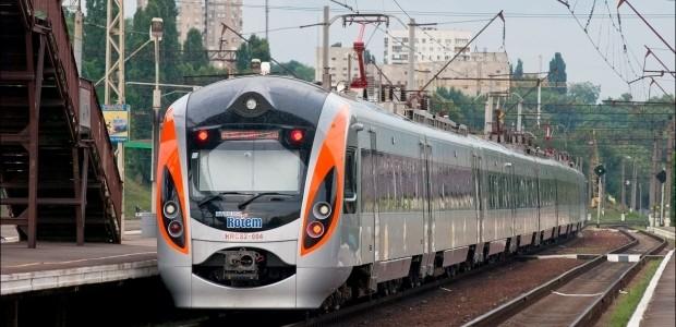 Від завтра потяги Київ-Перемишль курсуватимуть лише до Медики та Львова