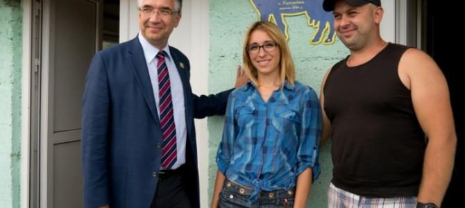 Канадський посол відзначив успішну роботу сімейної ферми на Львівщині