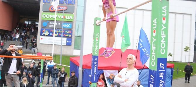 У Львові 7-річна дівчинка встановила світовий воркаут-рекорд