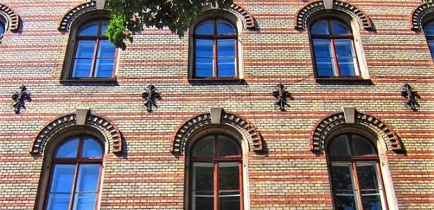 Аграфи на фасадах Львова