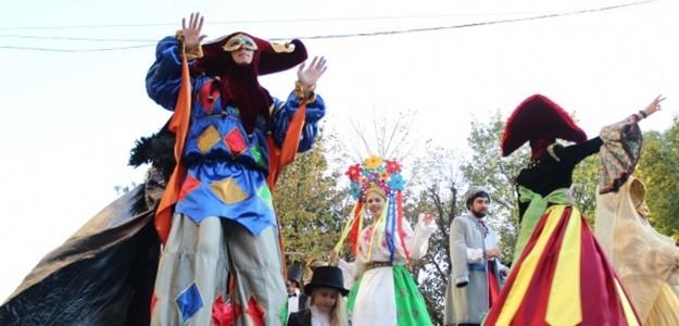 Як це було: центром Львова пройшла карнавальна хода