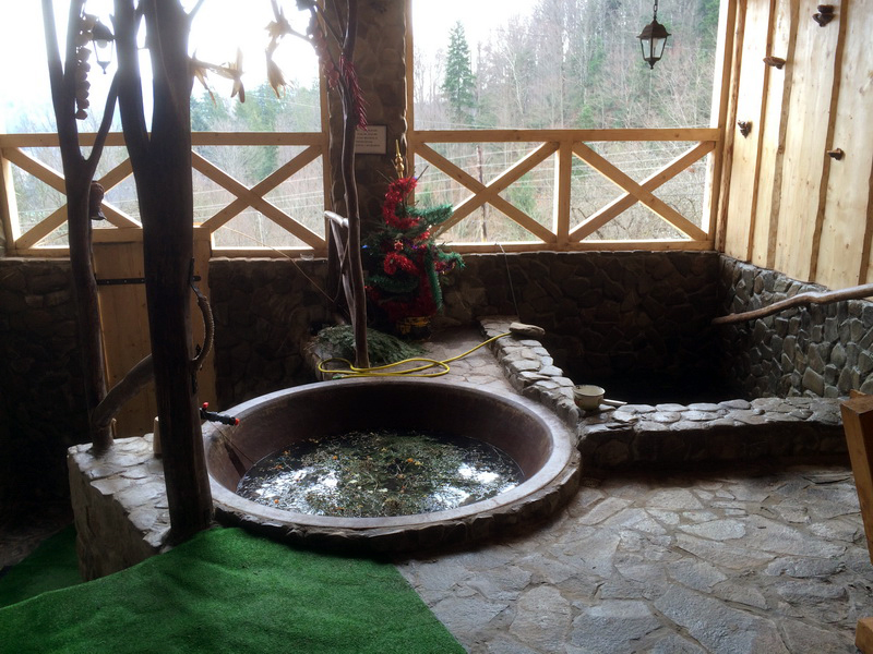 ТОП-10 місць для відпочинку: Чани в Карпатах