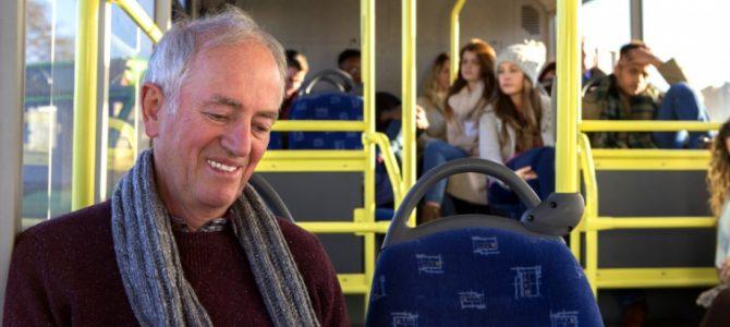 Чому не варто поступатися старшим місцем у транспорті – пояснив професор Оксфорду