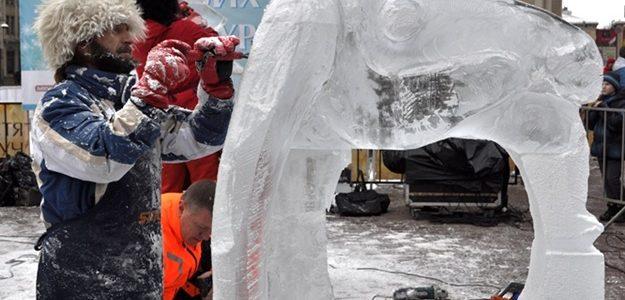 Витончені і холодні: у Львові відбудеться виставка крижаних скульптур