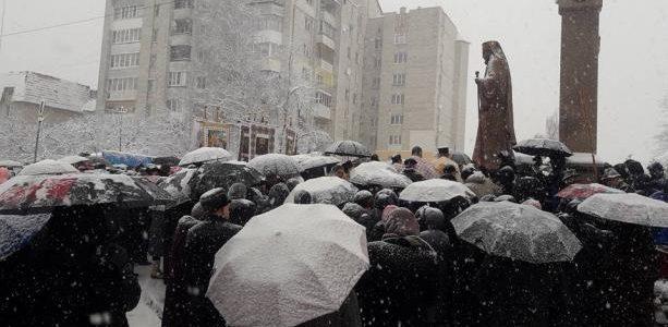 На Львівщині з'явився пам'ятник Йосипу Сліпому. Фото