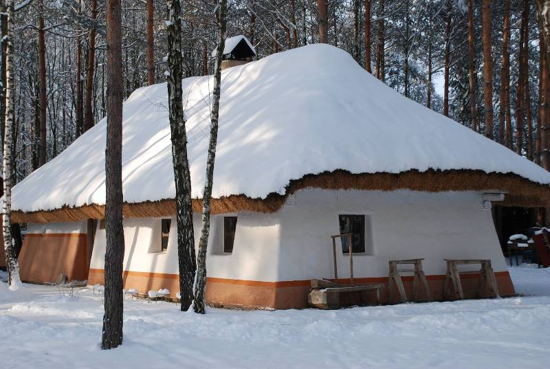 """Етнографічний комплекс """"Українське село"""". Зима. (www.facebook.com/Ukrselo)"""