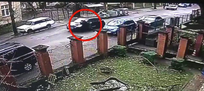 У Львові водійка збила двох патрульних, одного з них провезла на капоті півкілометра (відео)