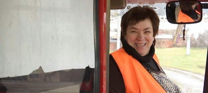 Відеоблогерка-водійка трамваю зі Львова мріє про срібну кнопку від Youtube