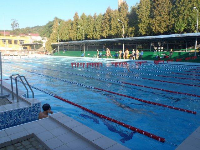 Де поплавати у Львові - список басейнів (з цінами)