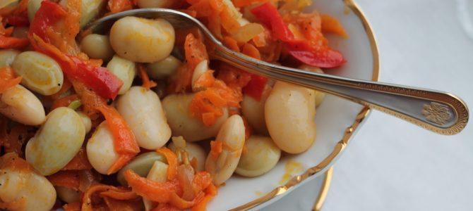 Квасоля маринована з овочами