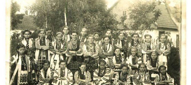 Як виглядали вихованці дитсадків та шкіл Галичини. Ретро фото