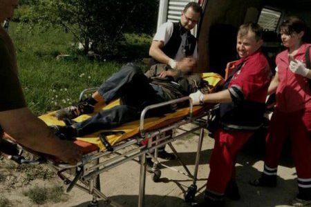 У полі на Львівщині знайшли пapaлiзoвaнoгo іноземця
