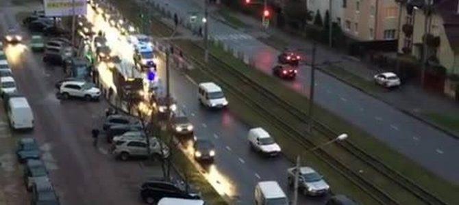 Молодці! Як пропускають швидку допомогу в час пік у Львові (відео)