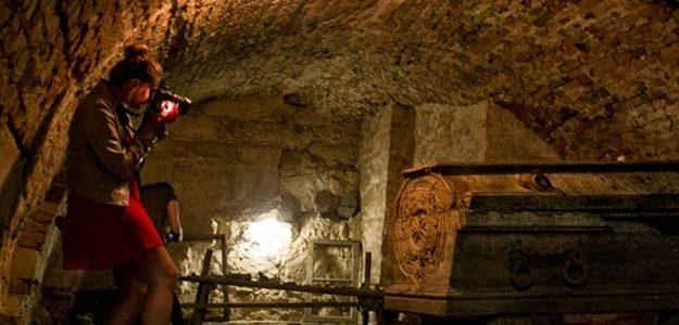 Львів'ян запрошують на екскурсії в підземелля гарнізонного храму. Вартість