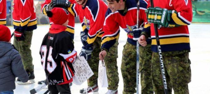 Як у центрі Львова канадські військові в хокей грали із Галицькими Левами (фото)