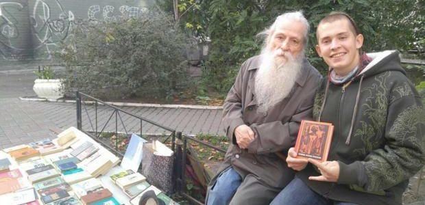 """""""Я сьогодні посміхався і плакав"""": історія 91-річного патріота України, який допомагає бійцям АТО"""