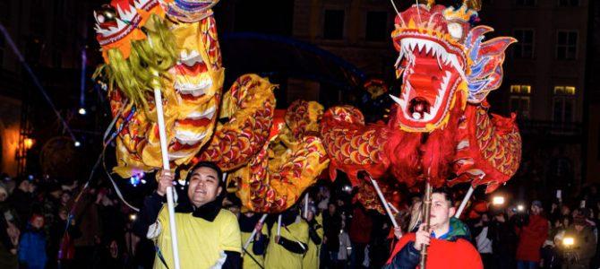 У Львові вогняним шоу та парадом драконів зустріли китайський новий рік (фоторепортаж)