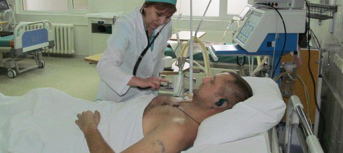 Лікарі зі Львова та Польщі поставили на ноги важкопораненого бійця Олександра Козачка