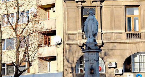 Складна доля скульптури Божої Матері у Львові