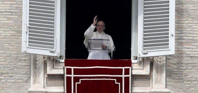 Папа: молитва переображує нас та просвітлює все навколо нас