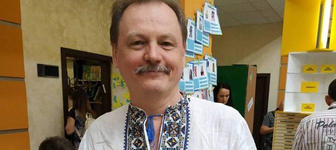 """""""Між цими фото – більше 5 років… Спробуйте хоч раз знайти і написати про його """"плюси"""" – українець про Порошенка"""