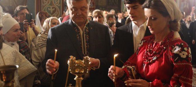 Українська Мадонна: образ Марини Поpошенко на церковному богослужінні викликав захоплення в українців