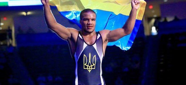 Українець Беленюк виграв «золото» чемпіонату Європи з греко-римської боротьби