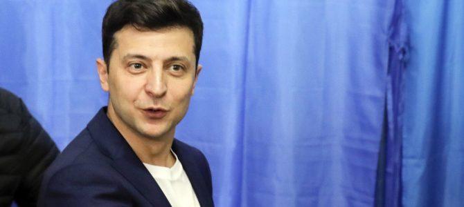 Зеленський пообіцяв переглянути ухвалений закон про українську мову на дотримання конституції