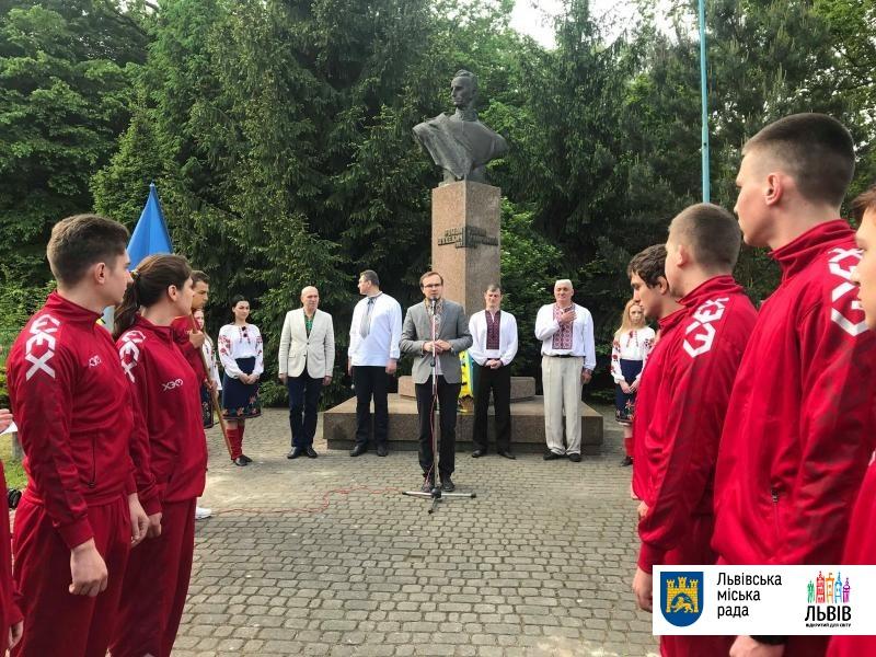 У Львові молитвою вшановують Героїв — захисників України (фото)