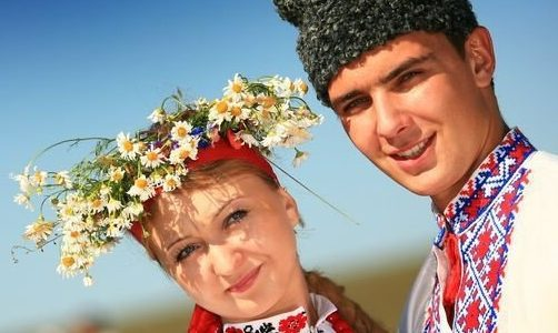 """""""А в рум'янці така сила, що всі квіти погасила"""" – якими компліментами користувалися колись українці"""