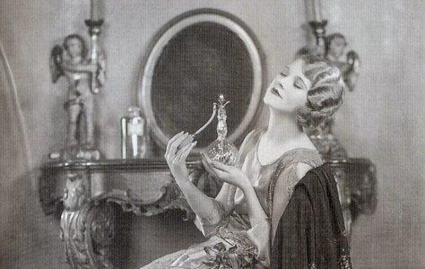 13 модних тенденцій наших бабусь на старих фото, опублікованих істориками