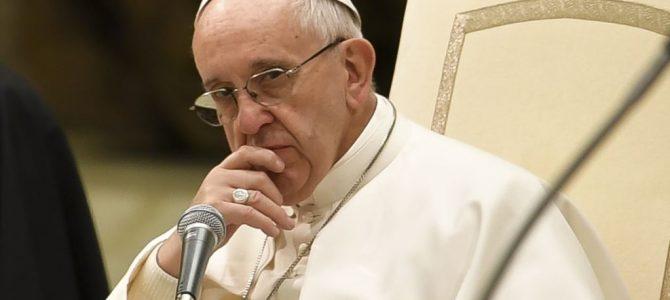 Папа Римський заявив, що Україну поранено «гібридним» конфліктом
