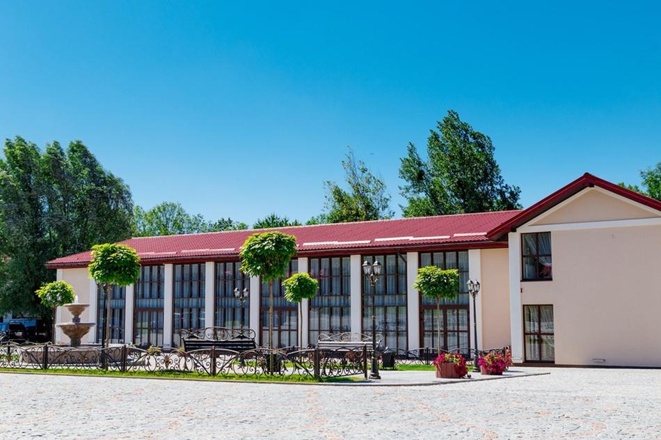 Бази відпочинку поблизу Львова: Галицька корона