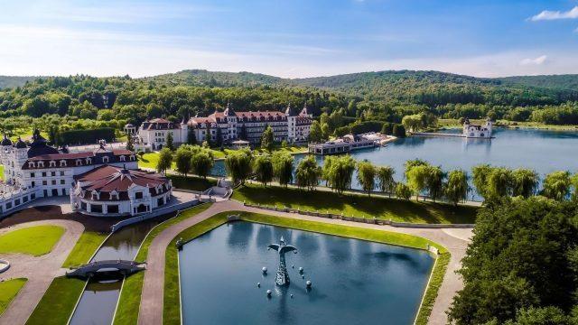 Бази відпочинку поблизу Львова: Edem Resort Medical & SPA (Стрілки)