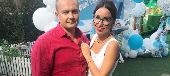 Жінка-телеведуча Зе-депутата Арістова пов'язує успіх чоловіка з її задоволенням