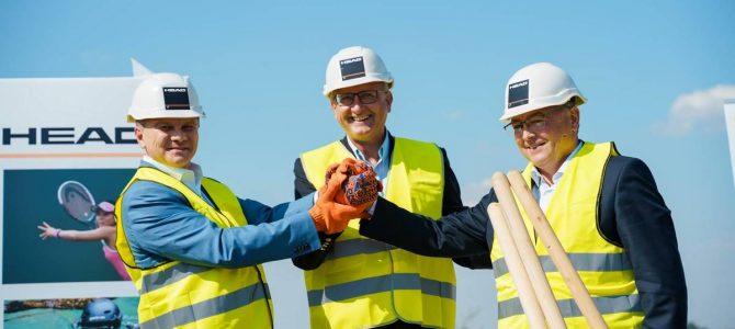 У Вінниці стартувало будівництво найбільшого в світі заводу з виробництва спортивного спорядження