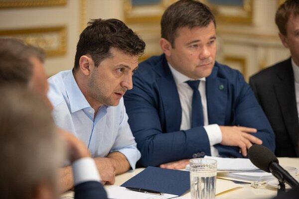 Зеленський зупинив розірвання угод з РФ, яке розпочав Порошенко