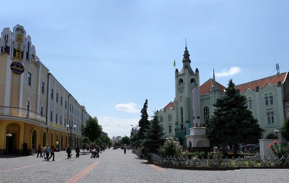 rathaus_mukachevo.jpg (195.08 Kb)