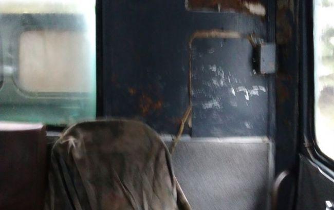 Це знущання над дітьми: мережу шокував шкільний автобус у Карпатах (фото)
