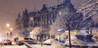 Львів замело снігом: найкращі фото з соцмереж